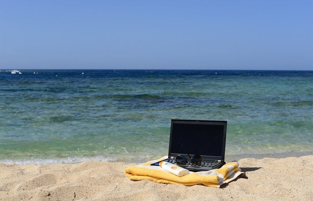 how to make money as a digital nomad